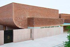 Yves Saint Laurent Museum in Marokko / Inspiration, museum Yves Saint Laurent Museum in Marokko / Inspiration Architecture Concept Drawings, Brick Architecture, Amazing Architecture, Contemporary Architecture, Architecture Details, Interior Architecture, Archi Design, Facade Design, Future Buildings