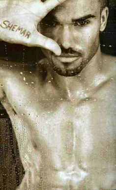 Sexy and cute Shemar Moore