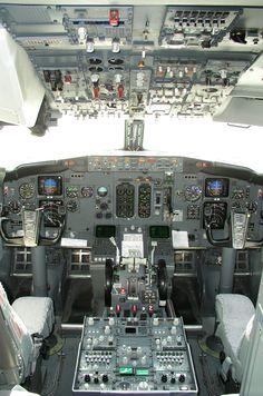 Boeing 737-300 cockpit, plain view