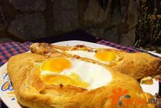 Пенирли «Сытные» http://ricettio.com/recipe-1688-penirli-syitnyie  Пенирли – это традиционные пирожки греческой кухни, которые способны заменить полноценный обед и убить любой, даже самый сильный голод. Это обусловлено тем, что  в их начинку входит мясной фарш, сытные овощи и яйцо.