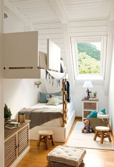 mommo design: 10 TINY ROOMS Cool built in floating bunk beds. Kid Spaces, Small Spaces, Space Kids, Small Apartments, Attic Rooms, Attic Apartment, Attic Bathroom, Kids Room Design, Attic Design