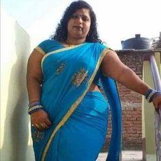 Beautiful Women Videos, Beautiful Women Over 40, Beautiful Girl In India, Beautiful Saree, Beauty Full Girl, Beauty Women, Saree Backless, Hot Poses, Curvy Women