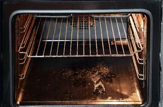 It's basically impossible to cook and not to stain the stove with grease or other food scraps which will turn into burns. And when it comes to clean the oven, I better run! I hate this job, because… Self Cleaning Ovens, Cleaning Appliances, Cleaning Hacks, Cleaning Recipes, Kitchenaid, Clean Sweep, Clean Up, Clean Oven, Decorating Kitchen
