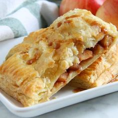 Puff Pastry Apple Slab Pie is the stuff dreams are made of. Easier than just about any other apple pie there is! Perfect for apple season! Puff Pastry Desserts, Puff Pastry Recipes, Pastries Recipes, Apple Dessert Recipes, Apple Recipes, Fruit Recipes, Cake Recipes, Chicken Recipes, Apple Slab Pie
