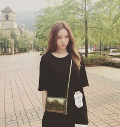 Image about pretty in Lee Sung Kyung - 이성경 by Kxxexxn Asian Actors, Korean Actresses, Korean Actors, Ulzzang Fashion, Ulzzang Girl, Korean Fashion, Lee Sung Kyung Fashion, Lee Sung Kyung Style, Korean Girl