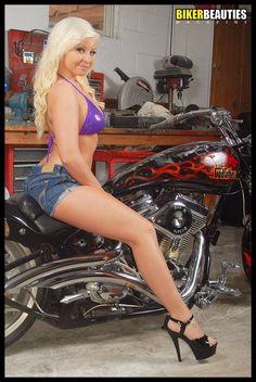 Pittsburgh Model Tiffany Sidun