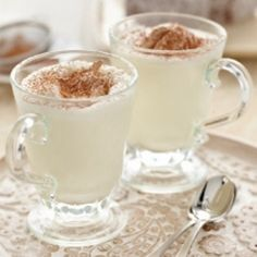 Move over regular hot chocolate, this white hot chocolate is so smooth and creamy. For an extra dimension, add a shot of espresso…Yum!