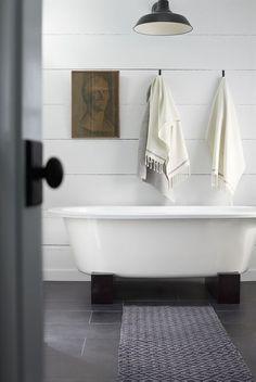 Beam base for tub