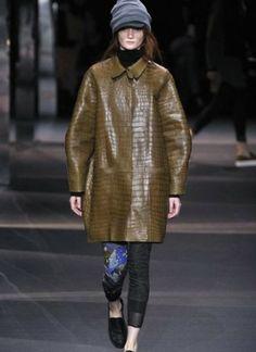 sfilata-moncler-gamme-rouge-autunno-inverno-2014-2015-pelle  #moncler #womenswear #abbigliamentodonna #vestiti #clothes #autunnoinverno #autumnwinter #moda2014 #fashion #autunnoinverno20142015 #autumnwinter2015