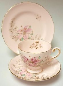 Tuscan-English-Vintage-China-Pink-Teacup-Saucer-Tea-plate-Trio-Lily-Flower