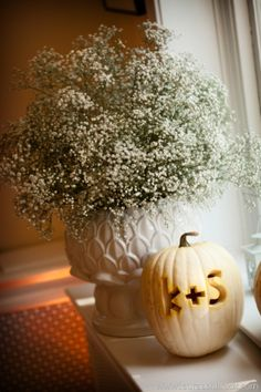 Who says Halloween can't come early! Pumpkin carvings are adorable for your fall wedding!