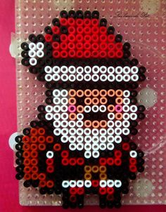 Santa Christmas hama beads by Les loisirs de Pat Plus Perler Bead Designs, Easy Perler Bead Patterns, Perler Bead Templates, Hama Beads Design, Pearler Bead Patterns, Diy Perler Beads, Perler Bead Art, Hamma Beads 3d, Peler Beads