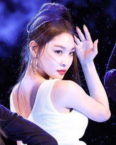 Kpop Girl Groups, Korean Girl Groups, Kpop Girls, K Pop, Euna Kim, Chung Ah, Kim Chanmi, Fandom, Ulzzang Girl