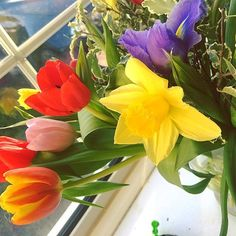 Just beautiful- thank you so much - I love you  #springflowers #thoughtfulness #bestfriend #soulmate