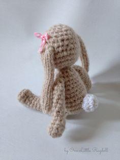 Amigurumi bunny free pattern by One Little Ragdoll [Virkattu pupu + ohje]