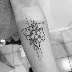 Dainty Tattoos, Mini Tattoos, Cute Tattoos, Beautiful Tattoos, Small Tattoos, Forarm Tattoos, Finger Tattoos, Tatoos, Triangle Tattoos