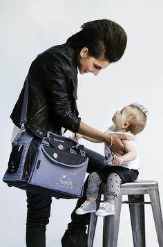 Bébé et maman Star   http://produits-puericulture.babymoov.fr/sac-a-langer-baby-style.html