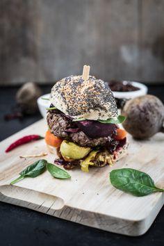 Burger mit Spinat, Roter Bete, Lauch und Karotten - Wintergemüse im Streetfood-Format
