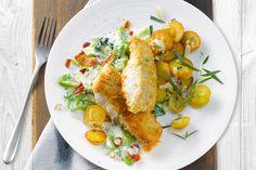 Pannfisch in Knusperpanade mit Fruchtsenf-Sauce, Bratkartoffeln und Rahmwirsing