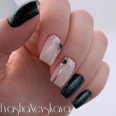 December 10 2019 at nails Grey Nail Designs, Square Nail Designs, Creative Nail Designs, Creative Nails, Glam Nails, Diy Nails, Cute Nails, Nail Swag, Black Nails With Glitter