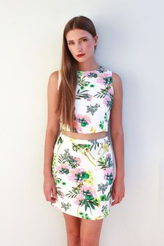 LOLA FLORAL SET -- Matching pencil skirt and cropped top set in a fresh pattern! Dress it up with a nude heel!! :)  Available now at www.modlook29.com