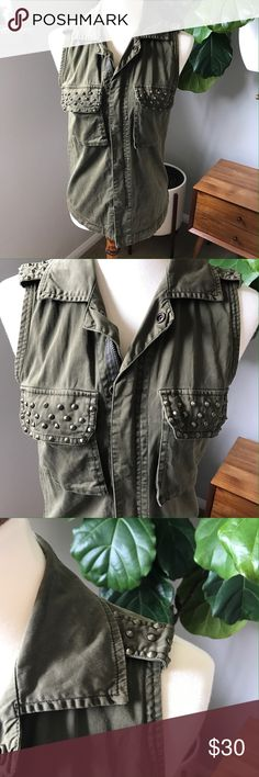 """Guess Jeans Army Green vest with studs size xs Guess Jeans Army Green vest with studs size xs. Perfect for festival Season and Coachella. Pair with a tank and cutoff shirts with cute booties. Has Little decoloration from the studs on one of the collars, but this gives a lived in look. Bust 18"""" length 25"""". Bundle and save ❤️👌🏼😉 Guess Jackets & Coats Vests"""