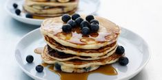 These basic low-fat pancakes are easy to whip up and taste much better than those made from a box of mix, or worse, frozen pancakes.Recipes for low. Fat Pancakes Recipe, Low Fat Pancakes, Pancakes Sans Gluten, Frozen Pancakes, Cheesecake Pancakes, Oatmeal Pancakes, Blueberry Cheesecake, Buckwheat Pancakes, Tasty Pancakes