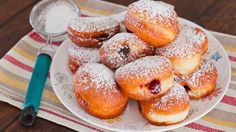 Cherry Jam Filled Sour Cream Donuts a? gorgeous golden cherry jam filled donuts and delicious beyond belief. The ultimate filled donut! Delicious Donuts, Delicious Desserts, Yummy Food, Köstliche Desserts, Dessert Recipes, Jewish Desserts, Jewish Food, Donut Recipes, Baking Recipes