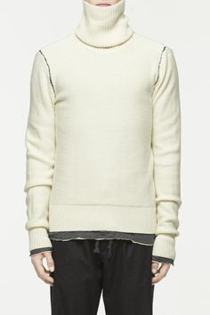 26 Turtlenecks to Cozy Up in This Fall | Details