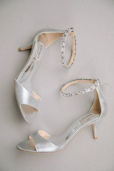 06971f1e2d598 Silver wedding shoes - strappy