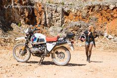 Uma moto que criou um novo conceito de motociclismo: A viagem de aventura