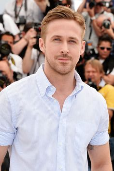 Ryan Gosling Photos - Director Ryan Gosling attends the 'Lost River' photocall during the Annual Cannes Film Festival on May 2014 in Cannes, France. - 'Lost River' Photo Call at Cannes Ryan Gosling Haircut, Ryan Gosling Style, Ryan Gosling Beard, Pretty Men, Gorgeous Men, Short Hair Man, Eva Mendes And Ryan, Lost River, Ginger Men