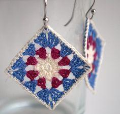 Modelos de quadrados de crochê para confeccionar colchas e mantas com gráficos para você imprimir. Modelos fáceis de fazer. Forma boa de usar restos de lã.