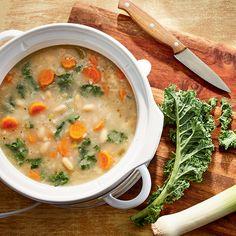 Soupe aux haricots blancs et au riz sauvage Healthy Soup, Freezer Meals, Cheeseburger Chowder, Meal Prep, Slow Cooker, Good Food, Recipes, Soups, Vegan