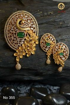Pendant and earring set - Latest Jewellery Design for Women Gold Earrings Designs, Gold Jewellery Design, Necklace Designs, Gold Jewelry, Handmade Jewellery, Diamond Jewelry, Diamond Earrings, India Jewelry, Jewelry Sets