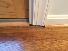 Moulding does not meet wall by sliding glass door (9)