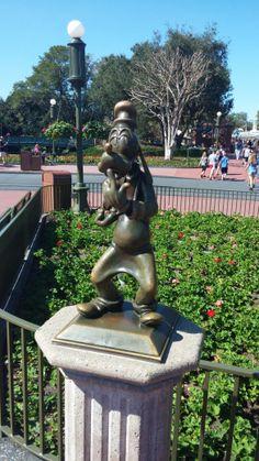 I fell #Goofy today have a great Sunday http://rjimarketing.blogspot.com