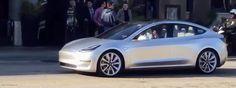 [Video] Tesla Model 3 chạy trên đường phố California