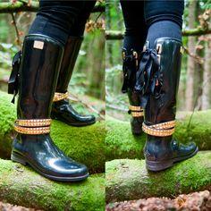 Däv Eve Solid Black med tøft ankelbelte. #dav #rainboots #boots #nettbutikk #skog #gull #knyting #hest #støvler #gummistøvler #stiligestøvler