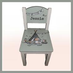 Uniek gepersonaliseerd stoeltje, beschilderd met de naam en met de kleuren en motieven van het geboortekaartje. Furniture, Baby, Home Decor, Kid Furniture, Homemade Home Decor, Home Furnishings, Newborn Babies, Infant, Baby Baby