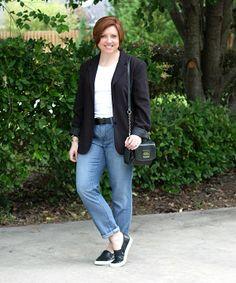 Boyfriend jeans and blazer. sneakers