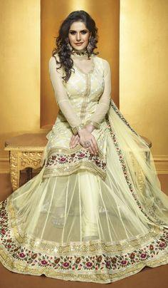 Gorgeous Golden Salwar Kameez with Dupatta Indian Fashion Designers, Ethnic Wear Designer, Indian Dresses, Indian Outfits, Indian Clothes, Desi Clothes, Party Wear, Party Dress, Bridal Dresses