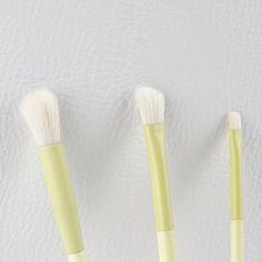 Super-soft • Cruelty-free • Lux • #comingsoon • #MirageAustralia #MirageAustraliaBeaut #BeautyArtLife #beauty #art #life #photography #productphotography #leatherlook #white #coloursplash #texture #australia @nikonaustralia #mynikonlife #makeupbrushroll #makeupbrushset #makeupcase #makeup #instagood #angledbrush #create #getitgirl #makeuptools #wakeupandmakeup #brushstory #makeupbrush Makeup Brush Roll, Art Life, Makeup Case, Beauty Art, Makeup Tools, Life Photography, Cruelty Free, Color Splash