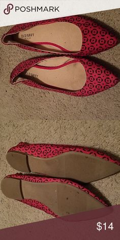 65cdb291eac Cute flats Gently used red and black flats... perfect for work our casual  night out if you dont want heels... Old Navy Shoes Flats   Loafers