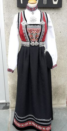 Norway Culture, Going Out Of Business, My Heritage, Costume Dress, Traditional Dresses, Family History, Scandinavian, Dress Up, Costumes