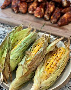 Smoked Corn on the Cob Corn Recipes, Side Recipes, Veggie Recipes, Smoked Chicken Wings, Chicke Recipes, Backyard Barbeque, Smoking Recipes, Good Pizza, Smoking Meat