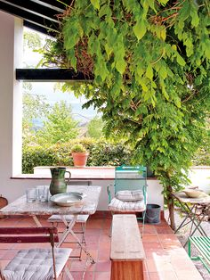 〚 Bright colors and natural materials: modern country home in Spain 〛 ◾ Photos ◾Ideas◾ Design Outdoor Spaces, Outdoor Living, Outdoor Decor, Porches, Garden Furniture, Outdoor Furniture Sets, Modern Country, Natural Materials, Farmhouse Style