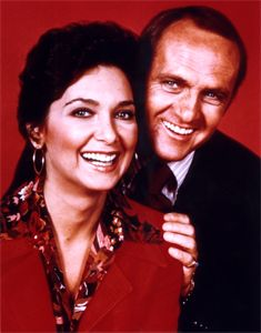 The Bob Newhart Show Starring Bob Newhart, Suzanne Pleshette, Marcia Wallace, Peter Bonerz & Bill Daily Loved this show! Comedy Tv, Comedy Series, Tv Series, Suzanne Pleshette, 1970s Tv Shows, Vintage Television, Old Shows, Vintage Tv, Tv Guide