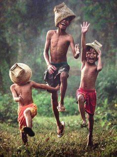 Il faut toujours rester un tout petit peut comme enfant