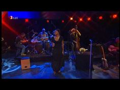 Great version of a classic Neil  Young Song...Lizz Wright sings Old Man, Jazz Baltica 2006